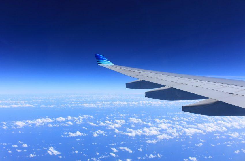 5 tips hoe jij een lange vliegtuigreis doorkomt
